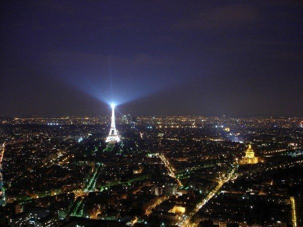 Panorámica nocturna París desde Arco del Triunfo